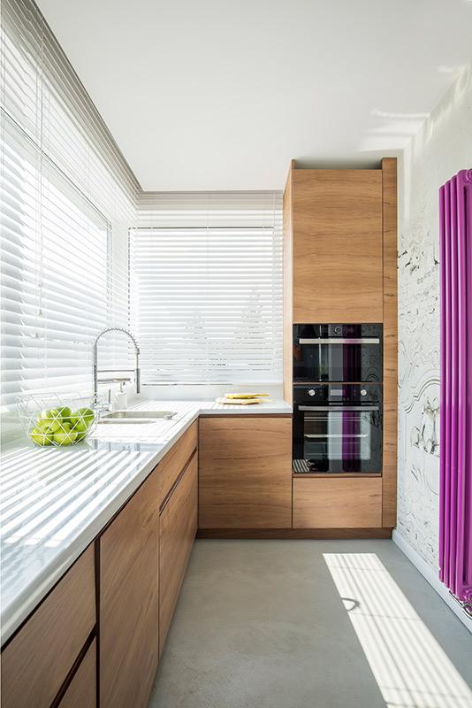 Buena iluminación en cocinas pequeñas